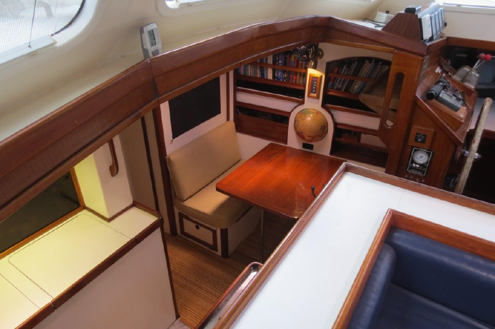 1984 Kanter Atlantic Pilothouse Cutter - Kanter 50 Down to Galley/ Dinette