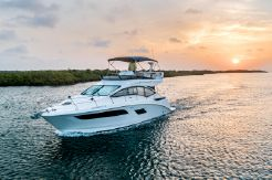 2018 Sea Ray 400 Flybridge