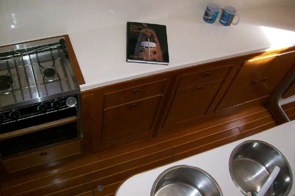 1990 PDQ Fantastic Condition - Spotless Galley