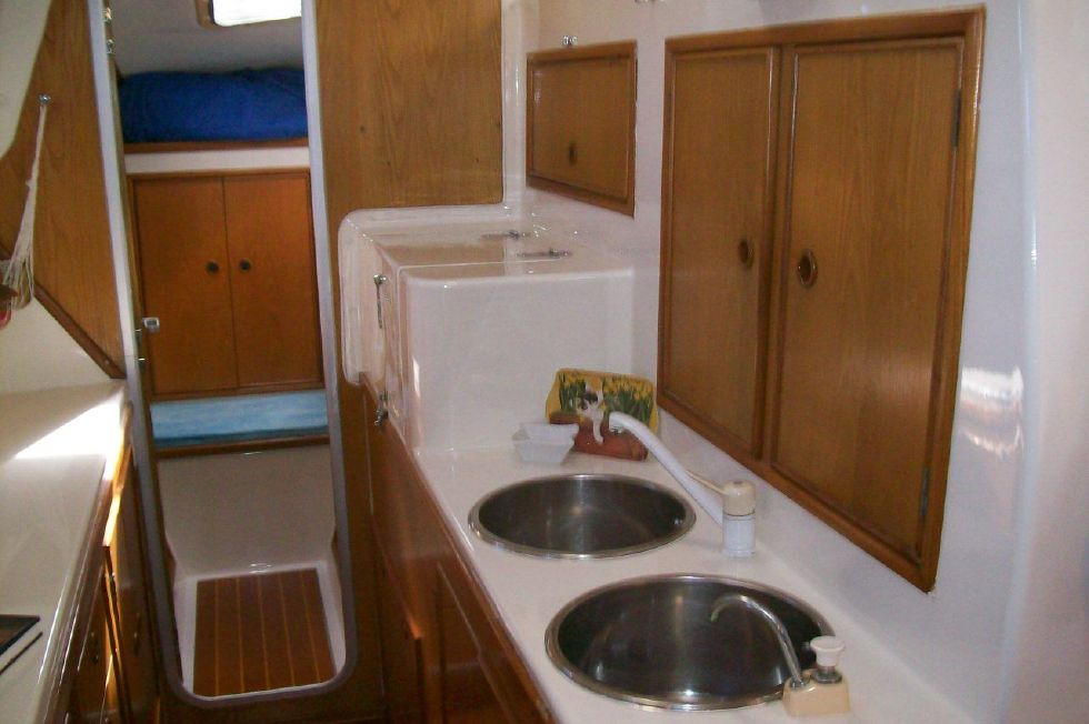 1990 PDQ Fantastic Condition - Large Double Sinks BEAUTIFUL SHINE