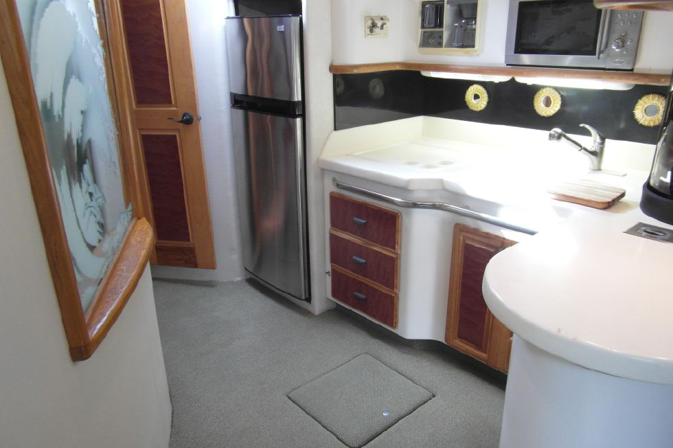 1993 Sea Ray 500 Galley To Starboard