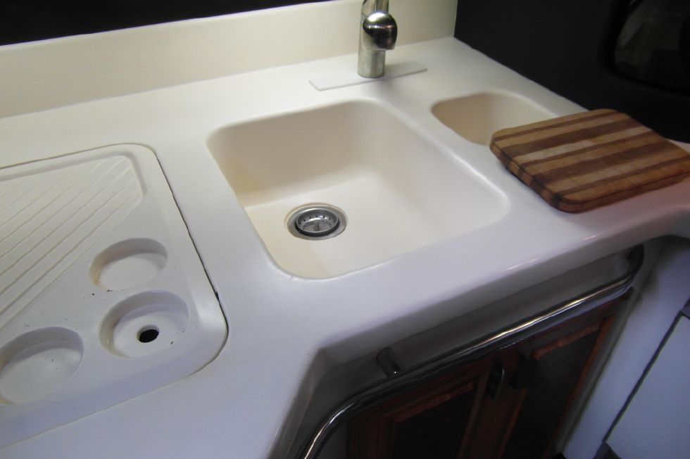 1993 Sea Ray 500 Galley Sink