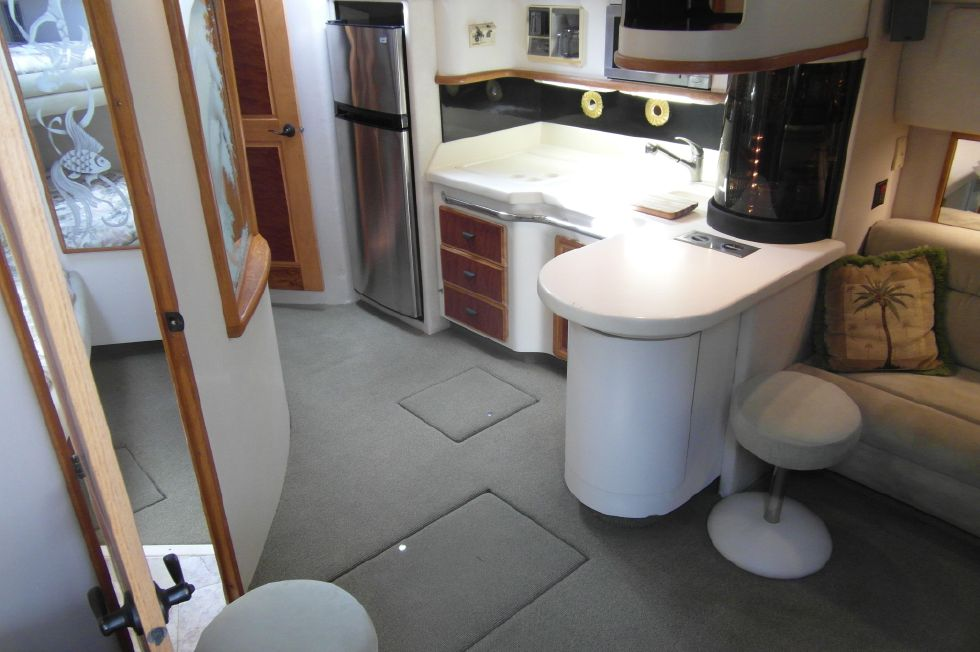1993 Sea Ray 500 Galley