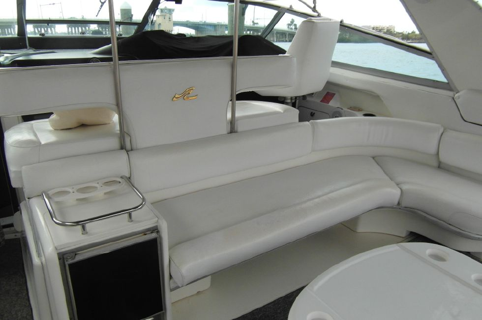 1993 Sea Ray 500 Cockpit Facing Forward
