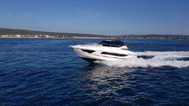 2020 Focus Motor Yachts Power 33