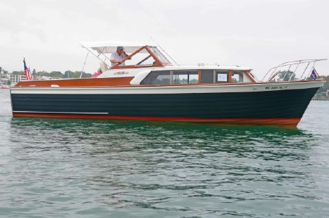 1960 Chris-Craft 32 Sea Skiff