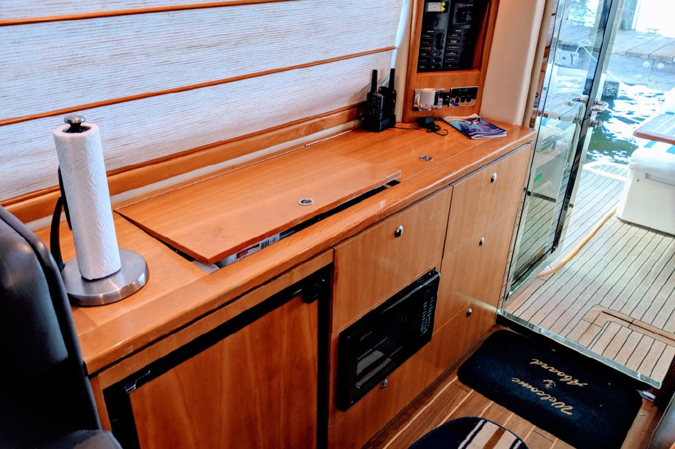 2007 Riviera 3600 Sport Yacht - Bar/Galley