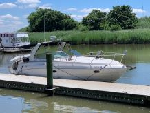 2005 Rinker 320 Express Cruiser