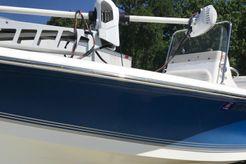 2006 Sea Pro SV1900CC Bay Boat