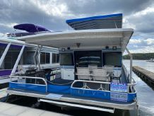 1990 Jamestowner Houseboat