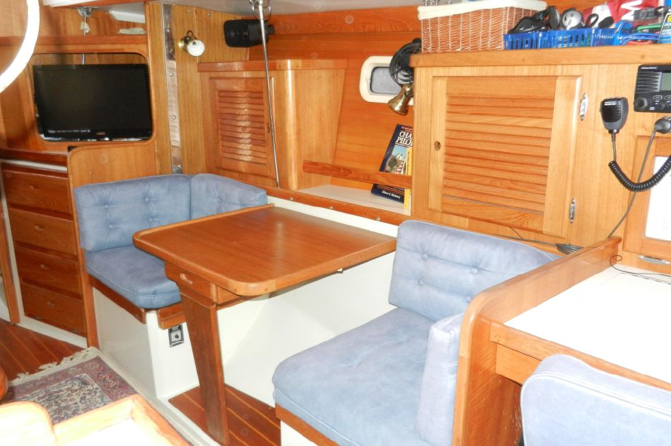 Starboard side salon, with table up