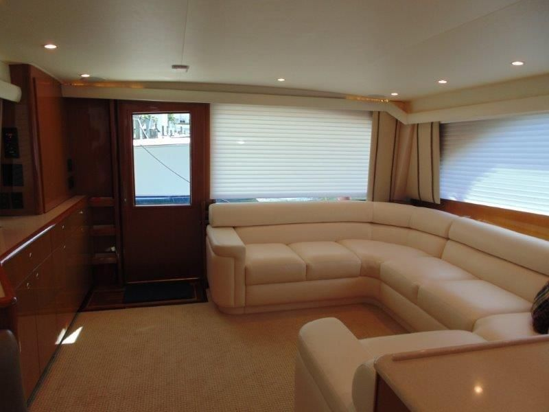 2001 Viking 61 Convertible - Salon