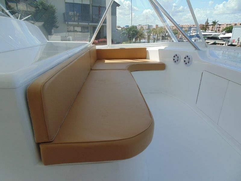 2001 Viking 61 Convertible - Bridge Seating