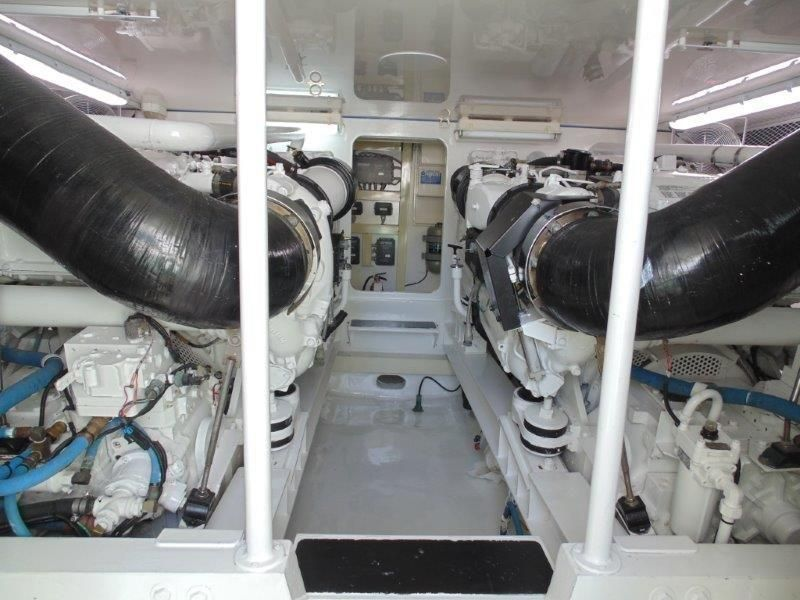 2001 Viking 61 Convertible - Engine Room