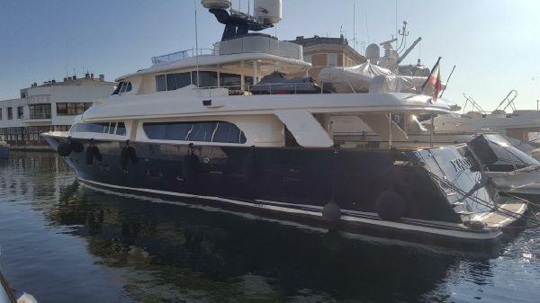 Ferretti Yachts Navetta