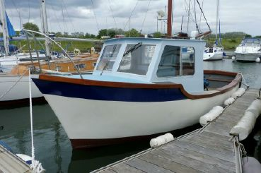 1976 Tamar 2000 Fishing