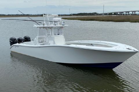 2006 Yellowfin 36 (LOADED!)
