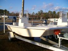 2020 Jones Brothers 17' Bateau
