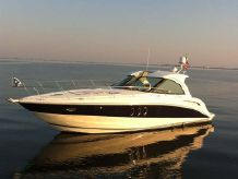 2008 Cruisers Yachts 390 Coupe