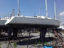 2001 J Boats 105