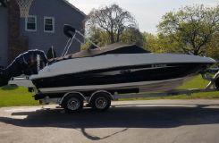 2015 Sea Ray 240 SUNDECK-OUTBOARD