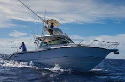 2021 Boston Whaler 345 Conquest