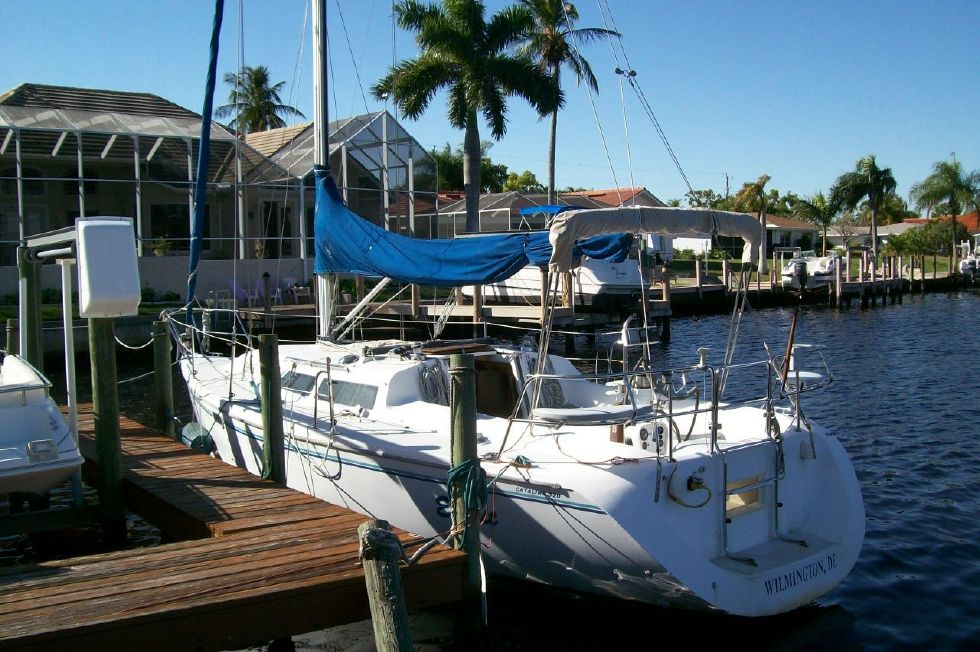 1995 Catalina 320 wing keel - Stern
