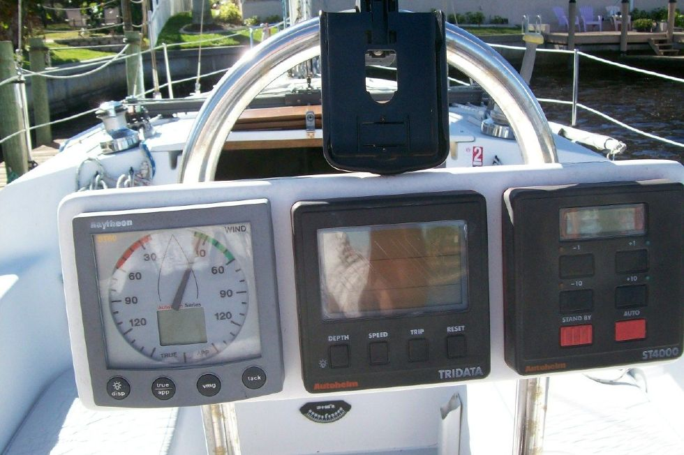 1995 Catalina 320 wing keel - Helm