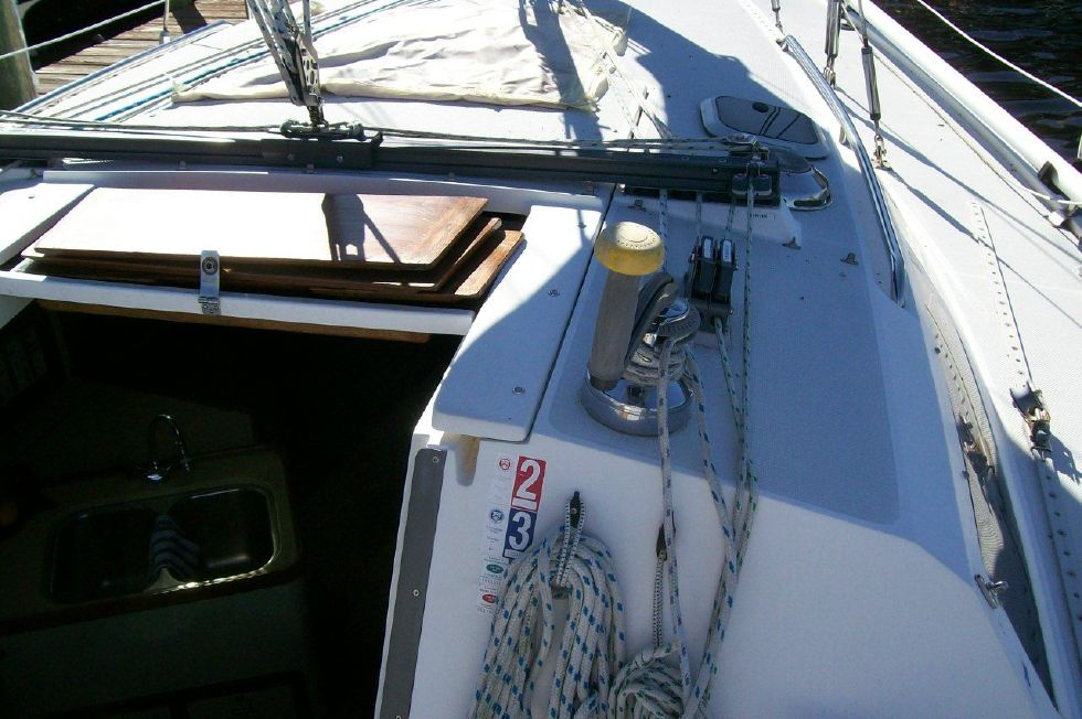 1995 Catalina 320 wing keel - All Lines Lead to the cockpit