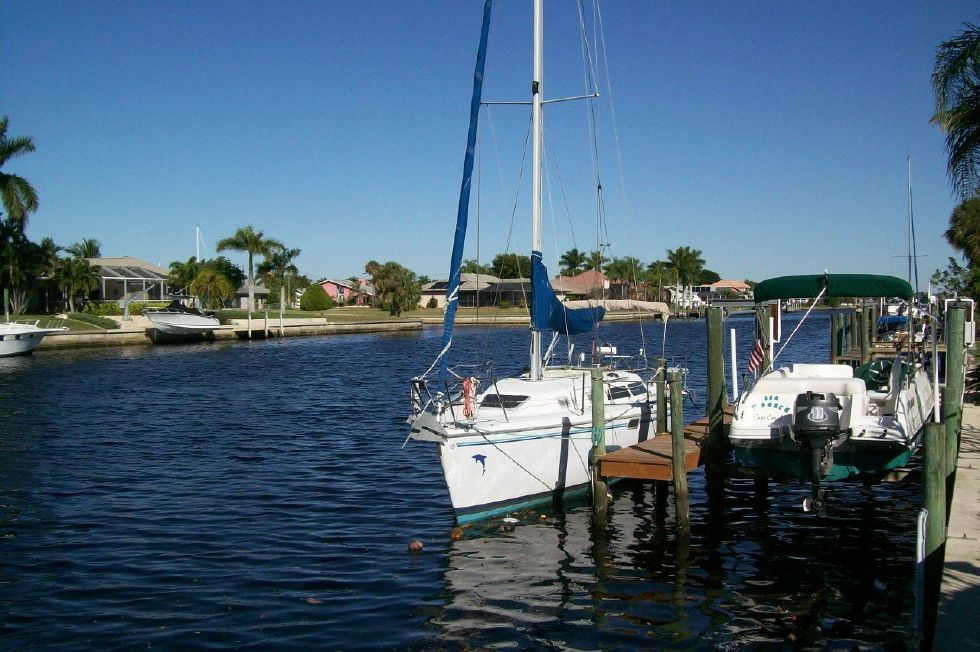 1995 Catalina 320 wing keel - Bow