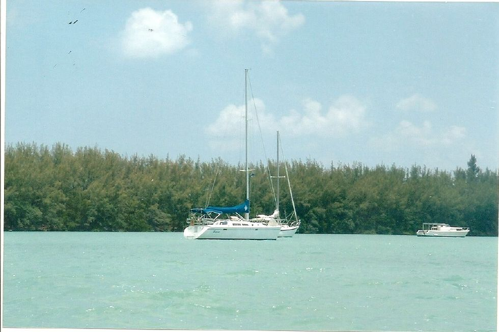 1995 Catalina 320 wing keel - Lets go to the Bahamas!!!