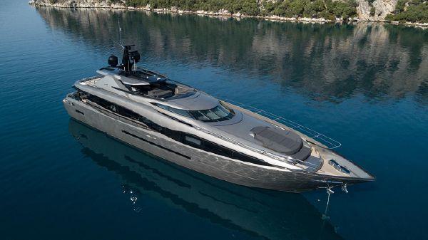 FX Yachts FX38