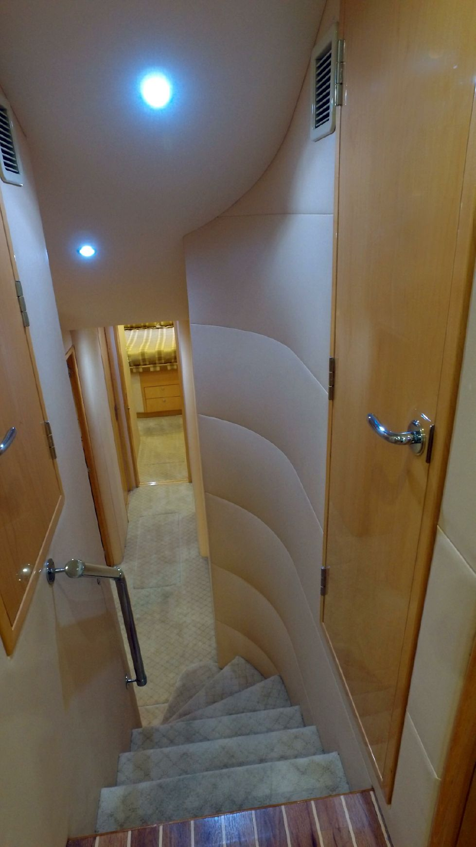 2006 Hatteras Enclosed Bridge - Companionway