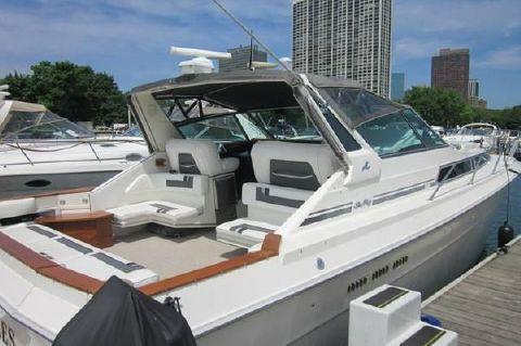 1990 Sea Ray 390 Express - Starboard Side