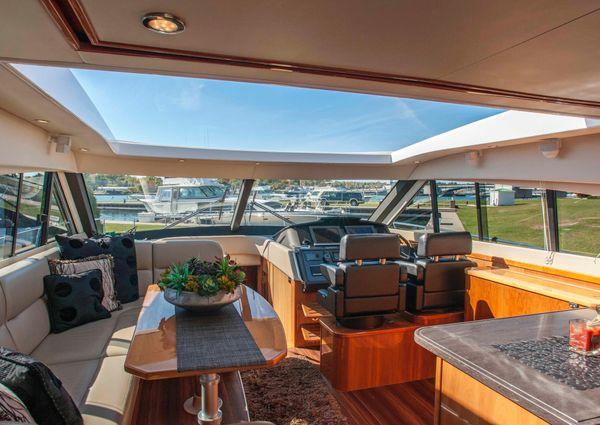 Riviera 5800 Sport Yacht image