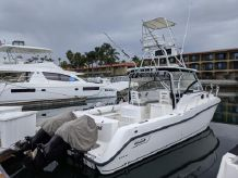 2011 Boston Whaler 305 Conquest