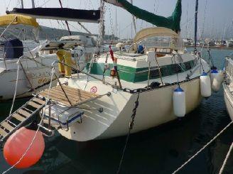 1981 Ferretti Yachts Altura 10