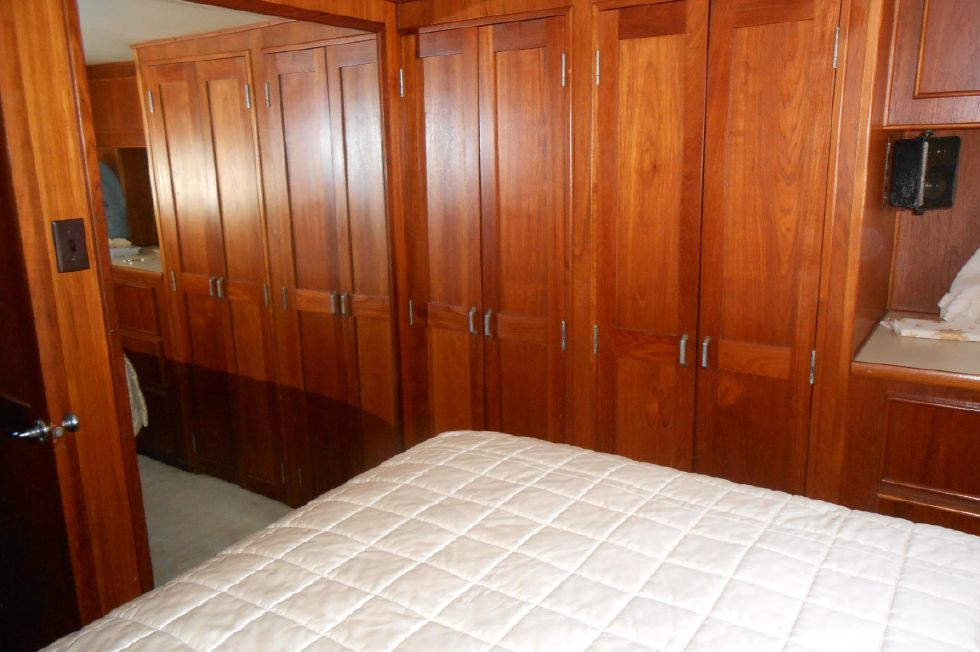 1985 Atlantic Motoryacht - Master Stateroom cabinetry