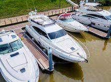 2009 Ferretti Yachts 592