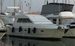 1988 Ferretti Yachts 36