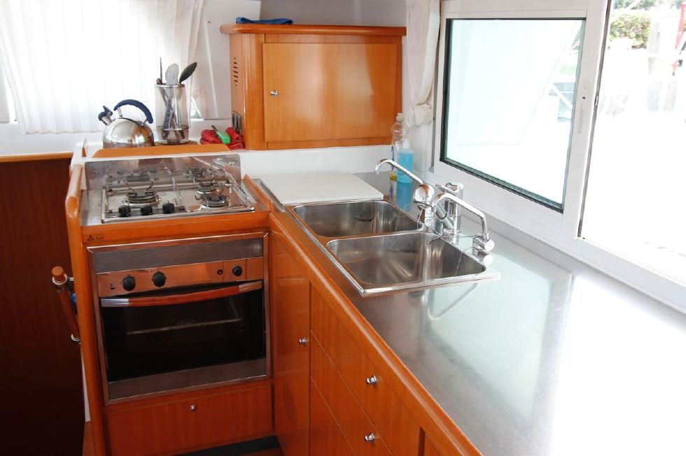 Lagoon 440 Galley