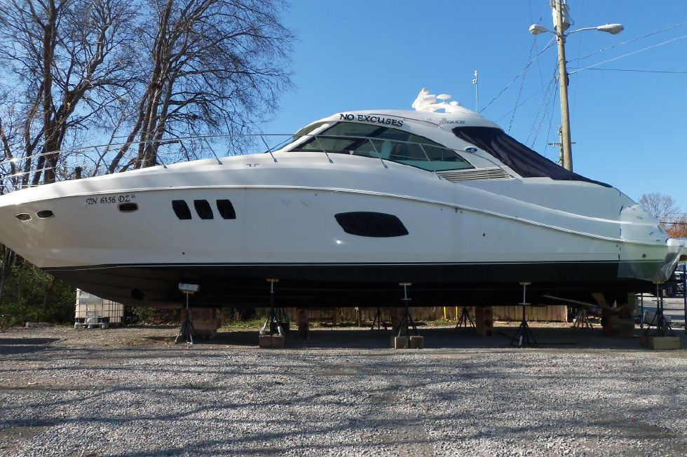 2008 Sea Ray 55 Sundancer - Out of water 2013