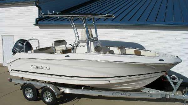 Robalo R200ES 2017 Robalo R200 ES at Yachts to Sea