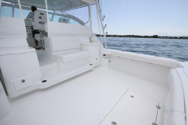 2020 Albemarle 36 Express - Cockpit / Fishing Equipment 1