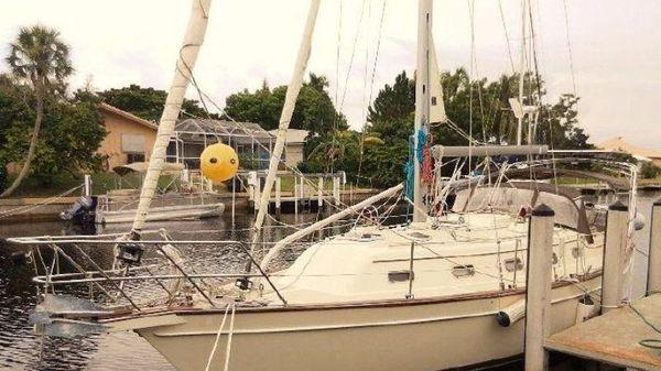 Island Packet 370 Dockside