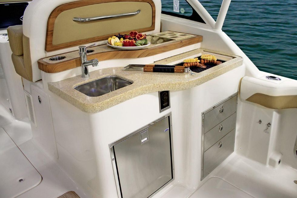 2016 Grady-White 375 Freedom - Cockpit Wetbar - Sistership