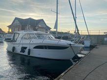 2017 Marex 310 Sun Cruiser