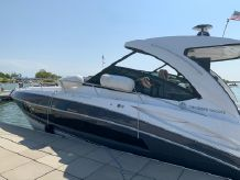 2017 Cruisers Yachts 38 Express