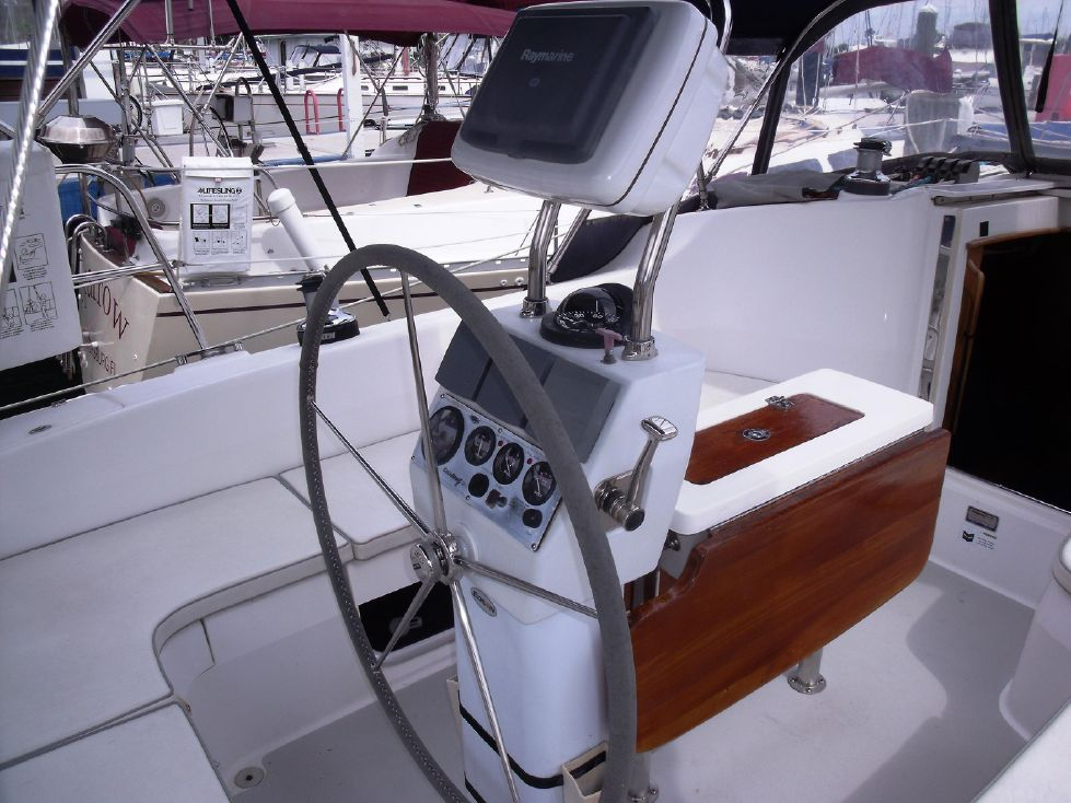 Helm Station with Single Lever Engine Control