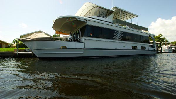 MONTICELLO 60 River Yacht